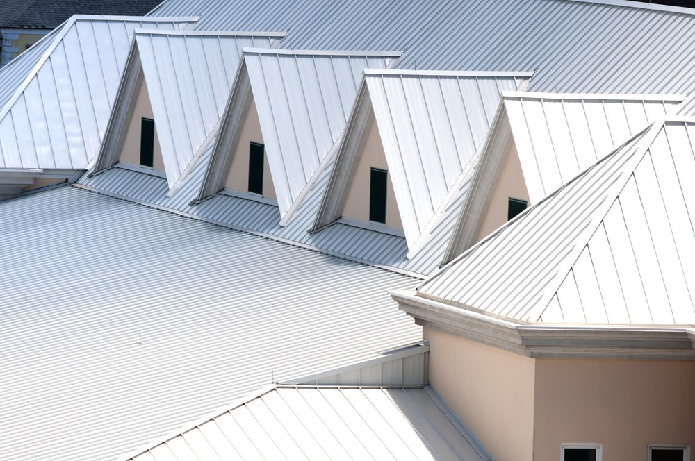 Energy efficient roofing materials for green homeowners for Sustainable roofing materials
